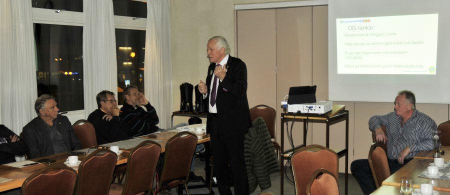 Distrktsguvenör Per Kratz på besök i Finspång. Han informerade om Lions internationella verksamhet. Han uttryckte stor förtroende för Lions Club Finspång och dess framtid.
